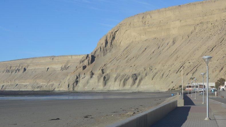 Encontraron un cuerpo en la playa de Rada Tilly
