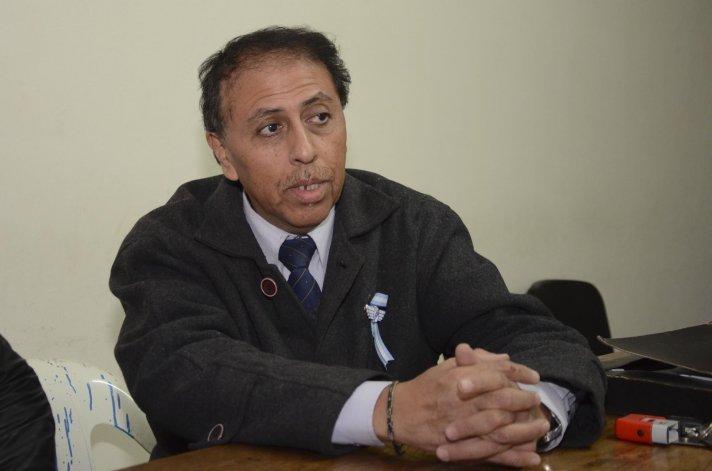 Pedro Nieva afirmó que la continuidad del técnico no está en la agenda de la dirigencia del Lobo
