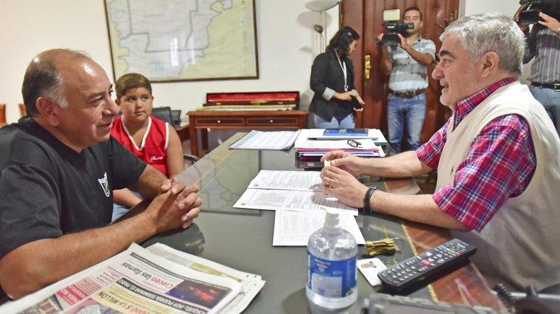 El gobernador recibió ayer a Rubén Almonacid