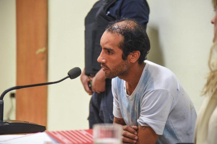 Carlos Josías Alves fue imputado por las lesiones que le provocó a su mujer y por el homicidio de Yony Flores Ramos.