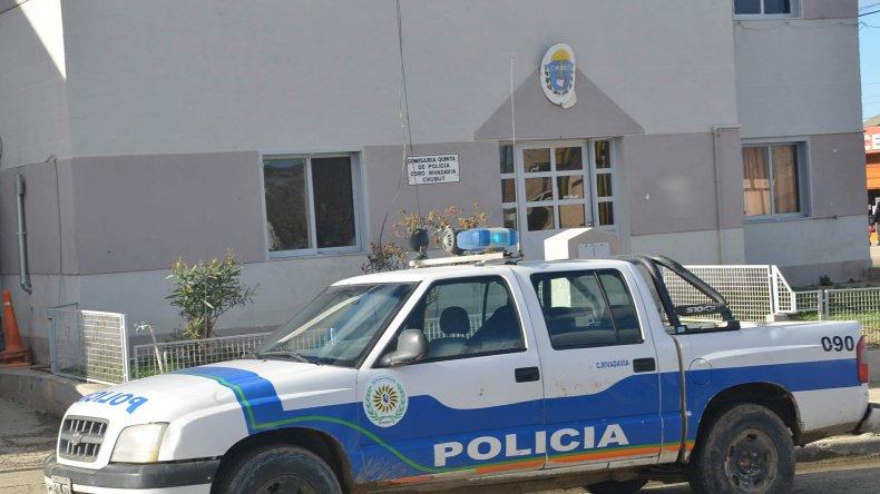 Escapaban en un auto, insultaron a la policía y fueron detenidos
