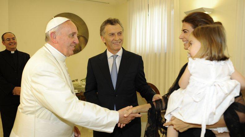 La anterior visita de Macri al Vaticano junto a su esposa e hija.