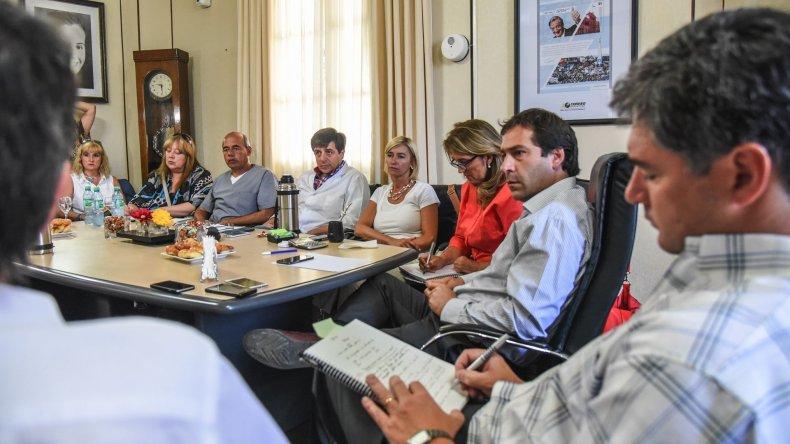 En el despacho municipal se reunieron los representantes de los distintos sectores a los fines de empezar a delinear una propuesta conjunta para reactivar los servicios de Pediatría en el ámbito privado.