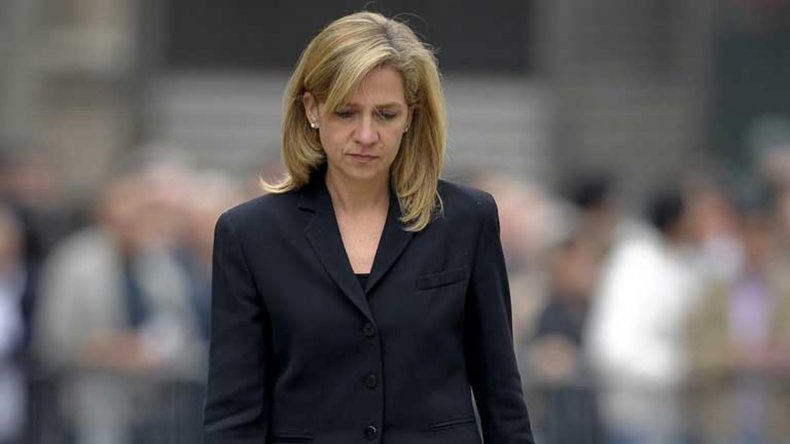 La infanta Cristina continuará sentada en el banquillo de los acusados