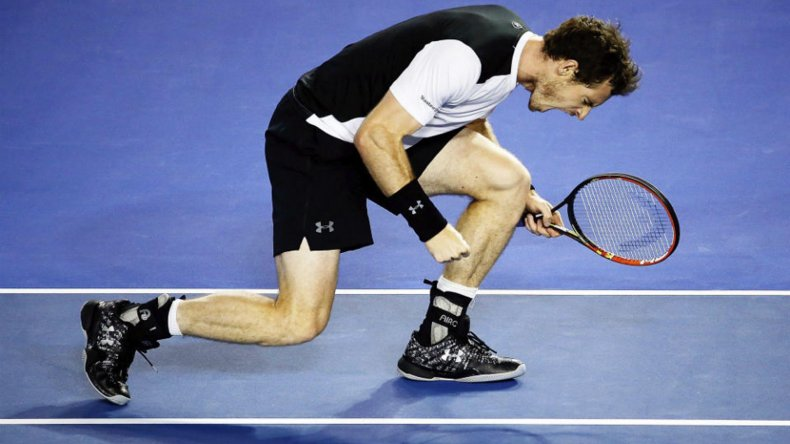 Andy Murray festeja su victoria y el pase a la final del Abierto de Australia.