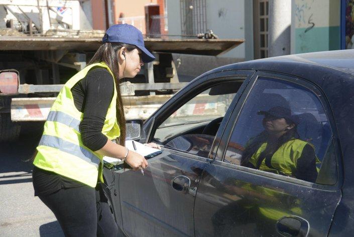 Durante los días hábiles de la semana se realizan controles de tránsito donde se verifica si el vehículo cuenta con el Impuesto Automotor pago.