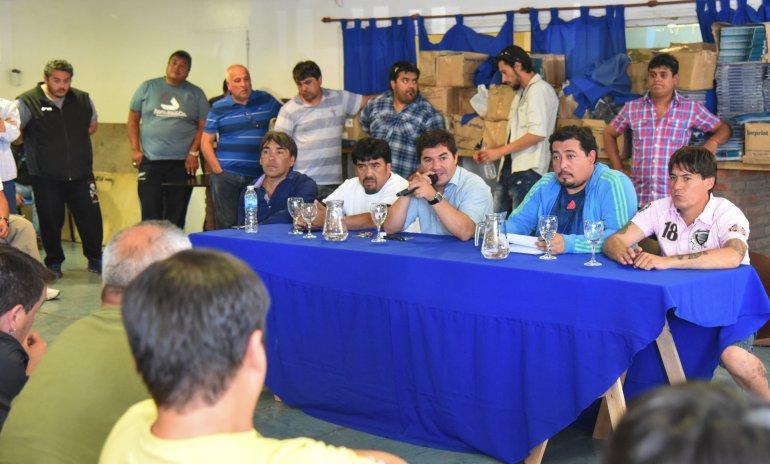 En el plenario petrolero aseguraron que no hay despidos relacionados con el plan vacacional y que los trabajadores vuelven al campo como estaba previsto.