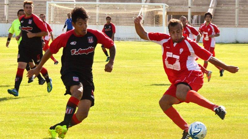 Florentino Ameghino y Huracán quedaron a mano ayer en el césped del estadio municipal.