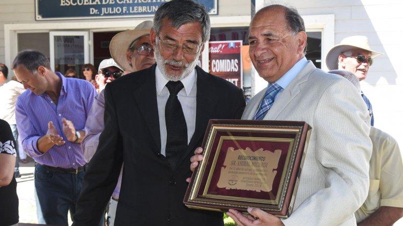 Aníbal Micardi recibió un reconocimiento a su trayectoria.
