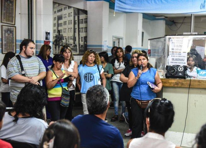 Los trabajadores del Hospital Regional nucleados en ATE resolvieron en asamblea que esperarán 48 horas la notificación de la continuidad laboral de los contratados alcanzados por el decreto 105.