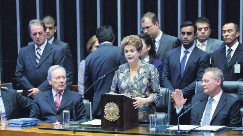 Dilma Rousseff en su discurso ante el Parlamento.
