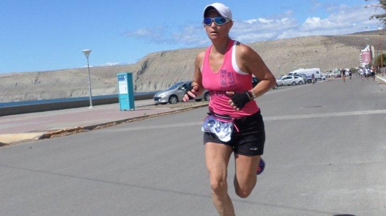Rosana Calderero intensifica trabajos para su 2° Campeonato de Atletismo Master que se llevará a cabo el 21 de febrero en Chile.