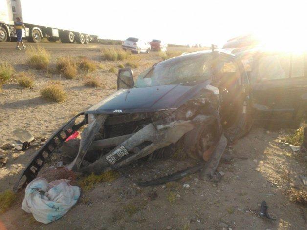 El estado en que quedó la Jeep Patriot en la que viajaba la familia fueguina.