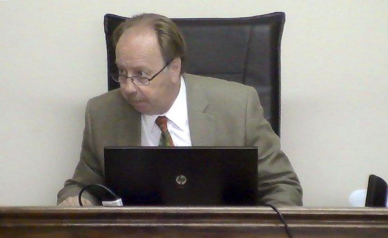 El juez Roberto Casal presidió la audiencia.