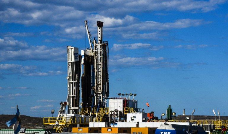 Las industrias atadas al petróleo aguardan mejores tiempos
