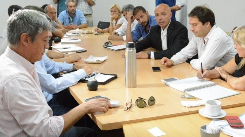 La reunión que se celebró en el Concejo Deliberante con la presencia del ministro de Salud de Chubut