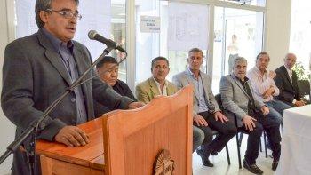 El director del Hospital Alvear, Javier Cáceres habla durante el acto de ayer.