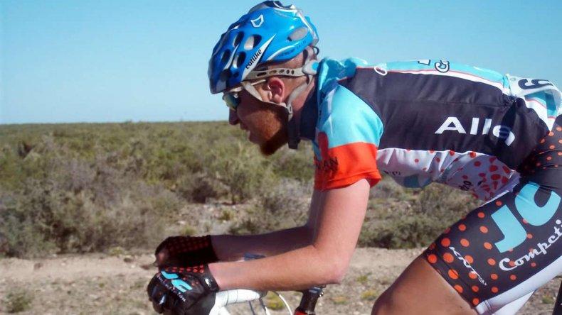 Maximiliano Valencia competirá en Mendoza representando al Centro de Empleados de Comercio
