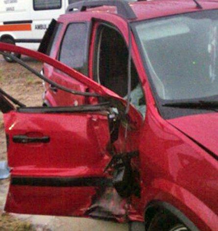 Matrimonio que viajaba a Comodoro chocó contra un camión