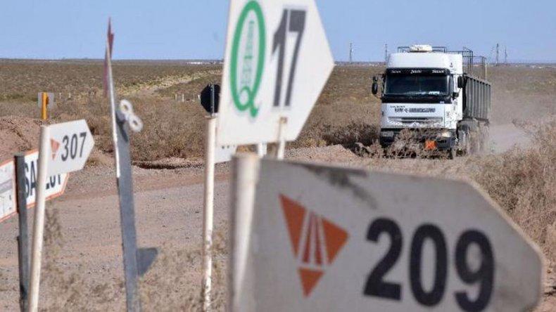 Paro indeterminado de camioneros  que trabajan en yacimientos de Neuquén