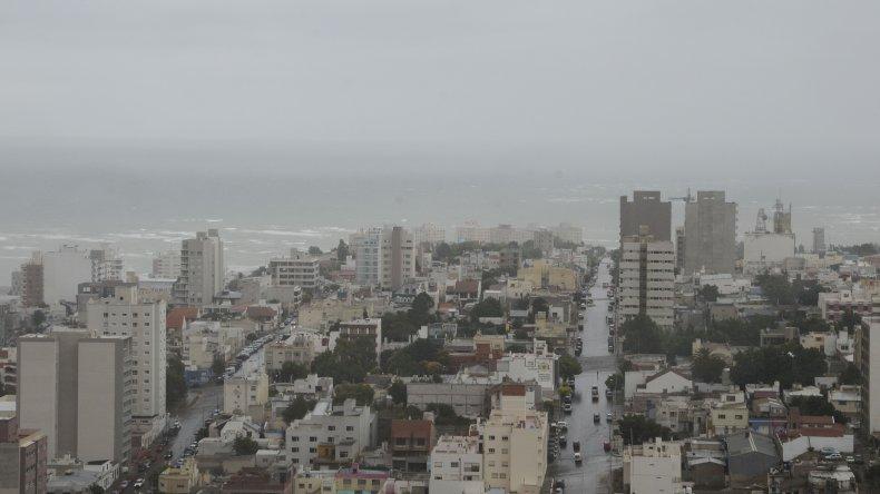 Domingo gris con probabilidad de lluvia