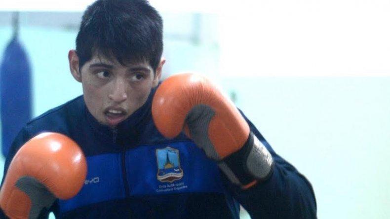 Ariel Araneda está listo para una nueva presentación de kick boxing