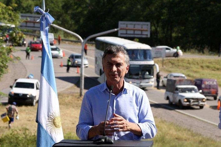 Mauricio Macri en el acto que encabezó ayer a la vera de la ruta Nacional 34.