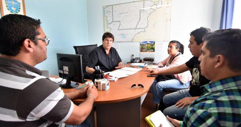 Funcionarios provinciales se reunieron con representantes de los estudiantes