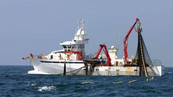 Los buques que naveguen en Chubut serán monitoreados
