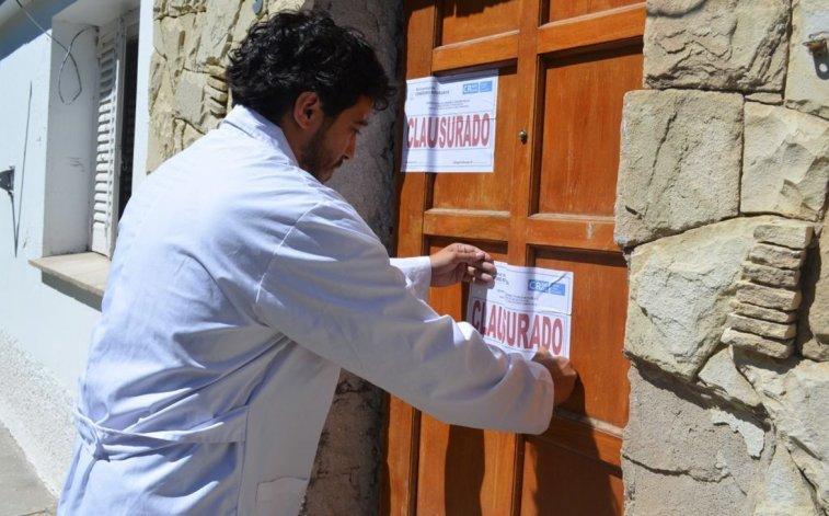 La Municipalidad clausuró el lugar ante la suma de irregularidades.