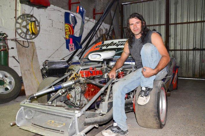 Marcelo Otero, el artesano  de sus autos de competición