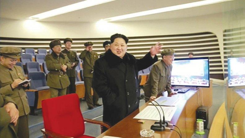 El líder norcoreano Kim Jong Un sigue desafiando a las potencias.
