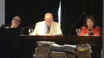 El Tribunal Oral Federal de Comodoro Rivadavia integrado por Enrique Jorge Guanziroli, Pedro José De Diego y Nora Cabrera de Monella.