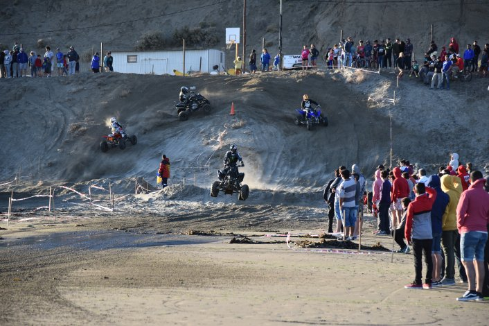Así se vivió el Arena Cross en Rada Tilly. Foto: Martín Pérez / El Patagónico