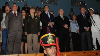 abucheos, canticos y pedidos en el acto por la batalla de san lorenzo