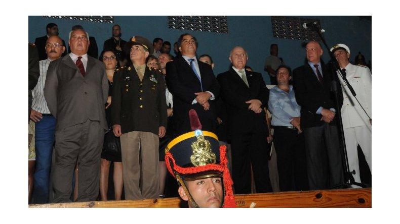 Abucheos, cánticos y pedidos en el acto por la batalla de San Lorenzo