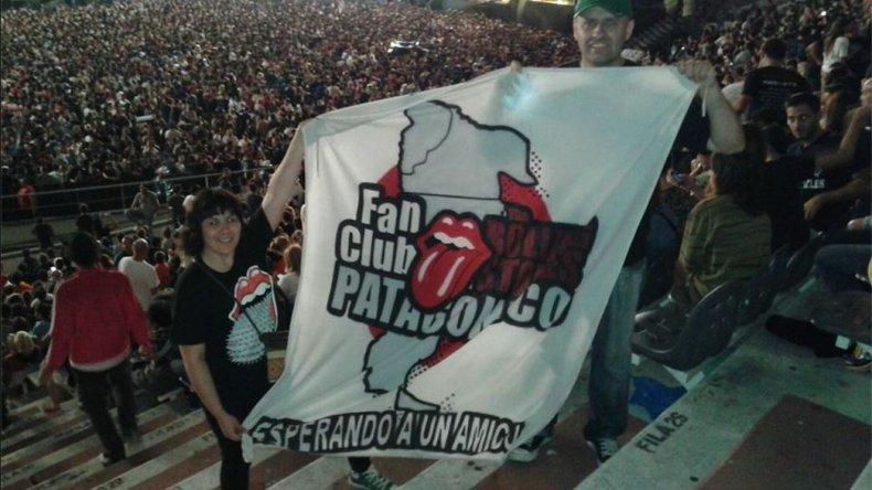 El Fan Club Patagónico The Rolling Stone en el Estadio de La Plata. Foto: Facebook.
