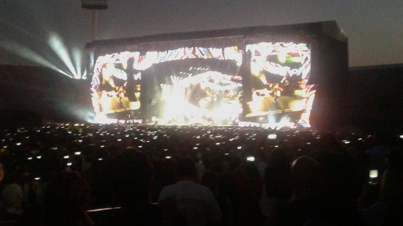 <p>El Fan Club Patagónico The Rolling Stone en el Estadio Nacional de Chile. Foto vía WhatsApp.</p> <p></p>