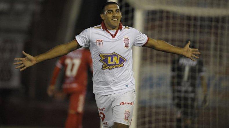 Ramón Abila reaparecerá esta noche en la formación de Huracán.