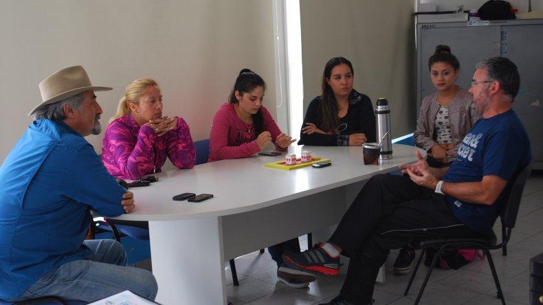 Autoridades deportivas municipales les aseguraron ayuda económica a las escuelas de patín para una capacitación a realizarse en Buenos Aires.