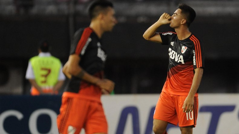 Gonzalo Martínez festeja su primer gol ayer en la victoria de River frente a Quilmes.