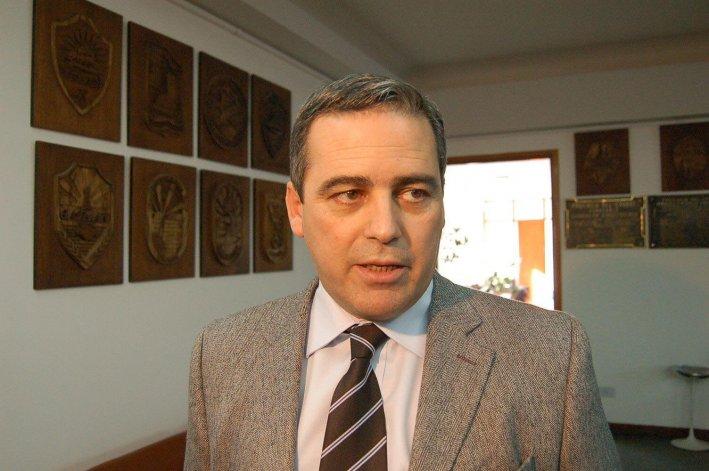 Javier Touriñan dijo que desde el ministerio que conducía nunca se preadjudicaron viviendas.