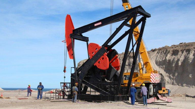 Ávila cuestionó a YPF: en los últimos 20 días sólo un pozo está perforando en Chubut