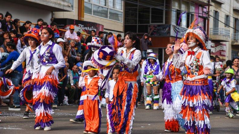Vuelve la fiesta murguera a la calle San Martín