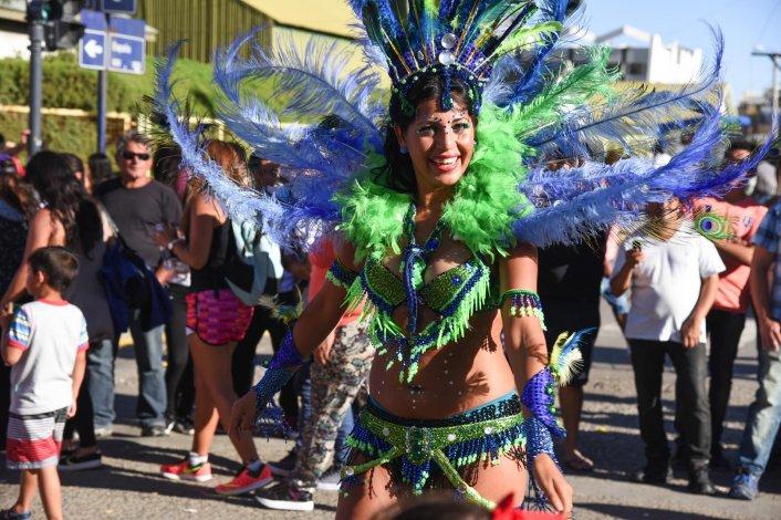 Más de 20 mil personas disfrutaron por día de los carnavales 2016