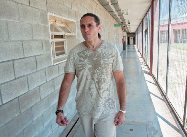 Violento allanamiento a la casa de Pérez Corradi: mataron a dos perros