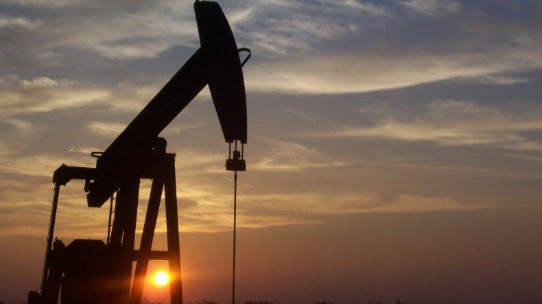 El petróleo vuelve a caer y el barril se coloca a u$s 27,45