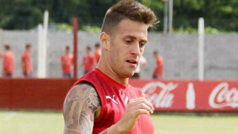Germán Denis será titular esta noche en la delantera de Independiente.