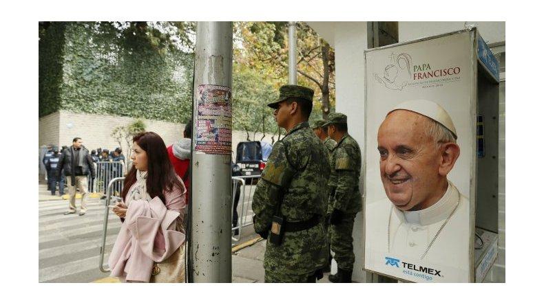 El Papa llega a México rodeado de un fuerte operativo de seguridad