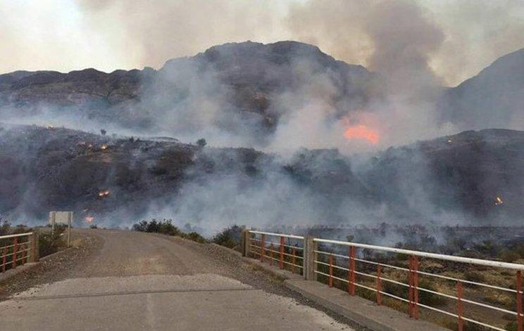 El fuego en Lago Verde y Chile Chico ya consumió más de mil hectáreas